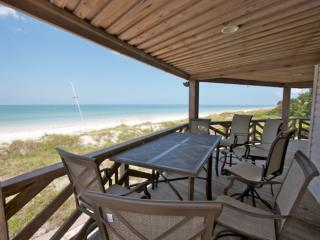 Beautiful 3 bedroom Indian Rocks Beach Condo with Internet Access - Indian Rocks Beach vacation rentals