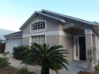4 Bed Pool Home in Great Location Close to Parks - Davenport vacation rentals