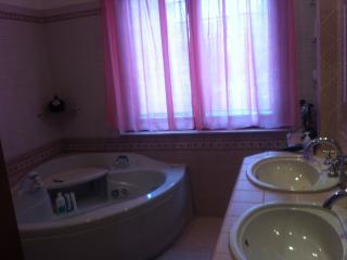 Bright 1 bedroom House in Rende with Hot Tub - Rende vacation rentals