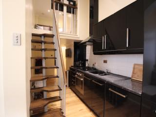 ST11 Cosy one bedroom Gloucester road - London vacation rentals
