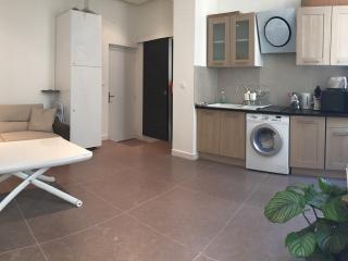 APPARTEMENT T2 MODERNE CANEBIERE-VIEUX-PORT - Marseille vacation rentals