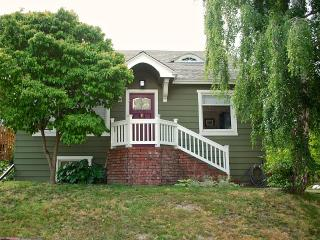 Large Craftsman home 1 block from Greenlake! - Seattle vacation rentals