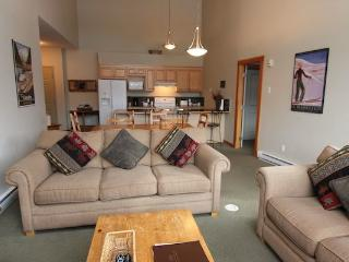 Canmore Crossing 3 bedroom 2 bathroom penthouse - Canmore vacation rentals