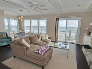 Beautiful Condo with Internet Access and Linens Provided - Emerald Isle vacation rentals