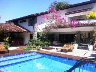 BEAUTIFUL HOUSE IN THE MIDST OF NATURE - Rio de Janeiro vacation rentals