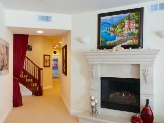 Beautiful 2 Bedroom with Sauna and Terrace - Saratoga vacation rentals
