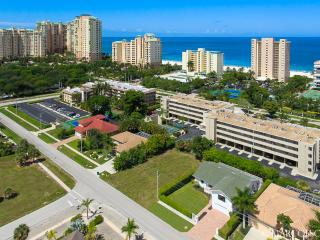 BEACH BABY - A Residential Home Doesn't Get Much Closer to Marco's Beach Than This!! - Marco Island vacation rentals