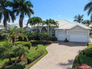 ISLAND OASIS - Coastal Hideaway Walking Distance to Tigertail Beach !! - Marco Island vacation rentals