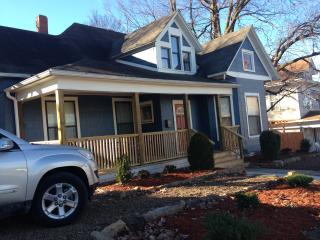 Walk to Dickson Street, downtown, and campus - Fayetteville vacation rentals