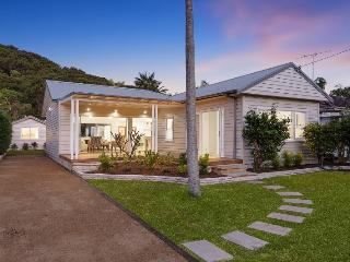 CURRAWONG HOUSE - Contemporary Hotels - Palm Beach vacation rentals