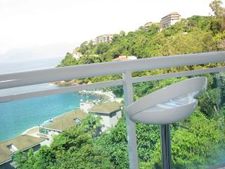 Comfortable Penthouse with A/C and Shared Outdoor Pool - Mangaratiba vacation rentals