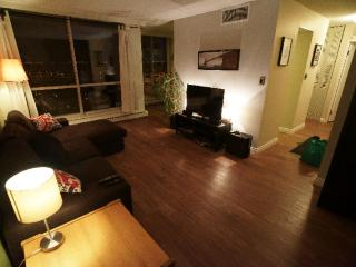 Renovated Fully Furnished Condo Downtown Edmonton - Edmonton vacation rentals