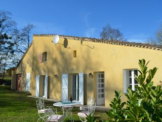 Two country cottages in same grounds with pool - Levignac-de-Guyenne vacation rentals