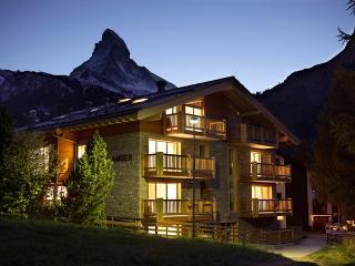 Chalet Amber - 4 Bedroom Duplex Apartment, Sleeps 8 - Zermatt vacation rentals