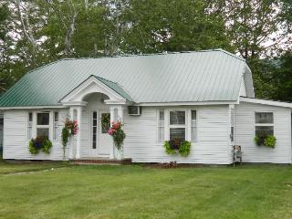 Terrific Lake George Rental In The Village - Lake George vacation rentals