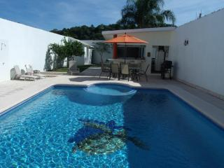 Comfortable Resort in Rincon de Guayabitos with Internet Access, sleeps 11 - Rincon de Guayabitos vacation rentals