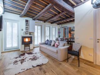 Porta Dipinta house Bergamo alta WI-FI, parcheggio - Bergamo vacation rentals