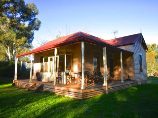 Baranduda Homestead Cottages - Lottie's Cottage - Wodonga vacation rentals