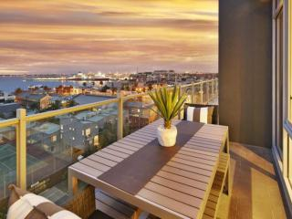 StayCentral NewApartment- Port Melbourne Panorama - Melbourne vacation rentals