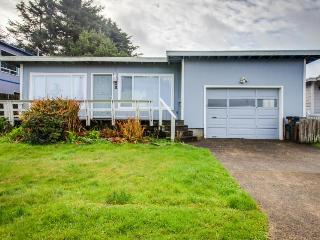 Walk to the beach from this cozy, dog-friendly home with an enclosed yard! - Yachats vacation rentals