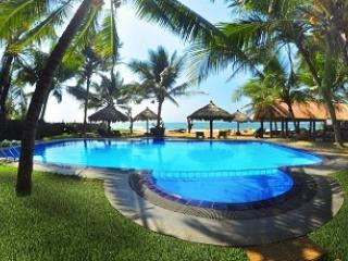 15 bedroom Resort with Internet Access in Bentota - Bentota vacation rentals