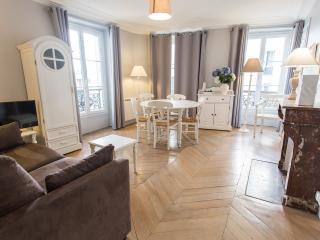 Charmant Ramey - Paris vacation rentals