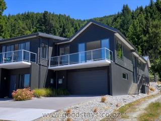 Perfect House with Internet Access and DVD Player - Queenstown vacation rentals