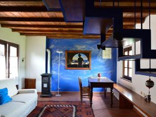 loft in campagna.creato in un vecchio fienile - Cremolino vacation rentals