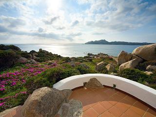Villa fronte mare a 70 metri dalla spiaggia - Santa Teresa di Gallura vacation rentals