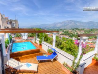 Bright Villa with Internet Access and A/C - Minturno vacation rentals