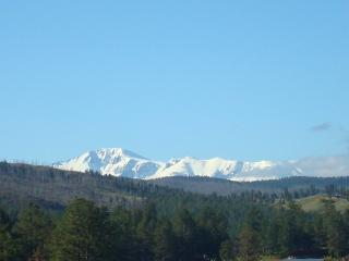 WESTCREEK RETREAT: PANORAMIC VIEW OF PIKES PEAK - Sedalia vacation rentals
