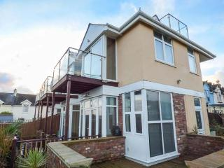 SEA VISTA en-suite, sea views, balconies, WiFi, pet friendly in Paignton ref 931131 - Paignton vacation rentals