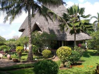 Luxusvilla mit eigenem Pool,Whirlpool,Koch,Strand - Diani vacation rentals