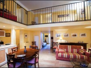 Cozy 2 bedroom Taormina Apartment with Dishwasher - Taormina vacation rentals