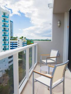 Beautiful Condo with Internet Access and Dishwasher - Miami vacation rentals