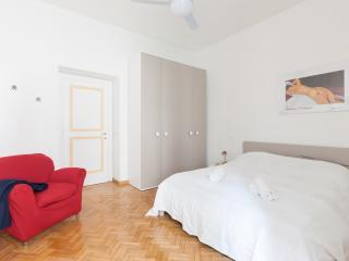 Trendy apartment in Trastevere - Rome vacation rentals
