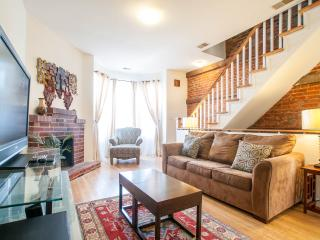 Cap.Hill Luxury3BR1.5 BA-StepsToCapitol&UnionStatn - Washington DC vacation rentals