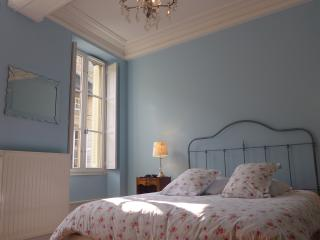 Popular & Gorgeous Appt. in Heart of Beaune - Beaune vacation rentals