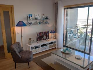 OCEANFRONT VILLAGE MARINA: top floor apartment - Olhao vacation rentals