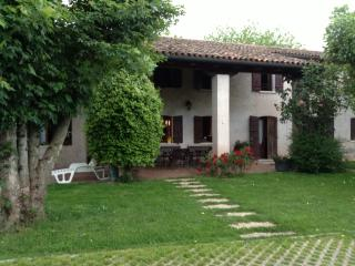 Nice Villa with Satellite Or Cable TV and Parking - Casale sul Sile vacation rentals