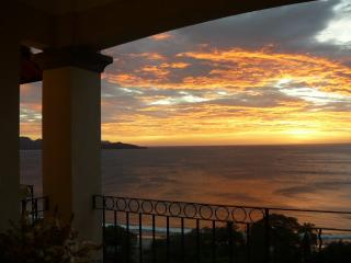 Oceanica Penthouse with incredible views - 10PAX - Playa Flamingo vacation rentals