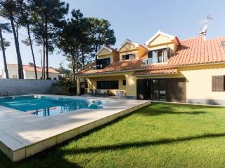 Luxury Villa Aroeira - Charneca da Caparica vacation rentals