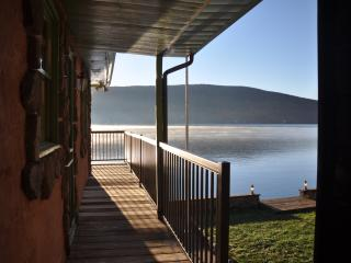 Lakefront 3 Bedroom - Unbeatable Waterfront Deck - Greenwood Lake vacation rentals