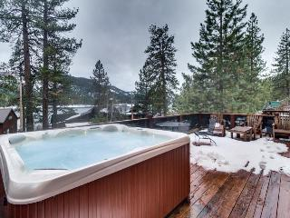Lovely cabin across from Donner Lake w/hot tub & great views - Truckee vacation rentals