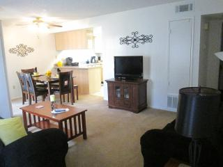 2 bdrm/2 Full Bathrm Apt Sleeps 8 - Bakersfield vacation rentals