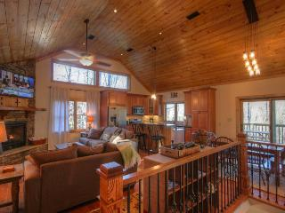 4BR Mountain Chalet with Seasonal Views and Foosball Table, Flat Panel TVs - Blowing Rock vacation rentals