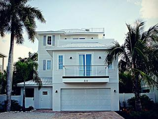 Stunning 6 Bed 4.5 Bath Heated Pool Spa - Holmes Beach vacation rentals