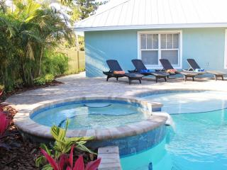Gorgeous 4 Bed/3 Bath Fully Loaded Bungalow - Holmes Beach vacation rentals
