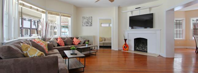 Living room with fireplace and large flat screen - 8 Bedroom Oceanblock Home - Atlantic City - rentals