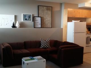 1 bedroom House with Corporate Bookings Allowed in Saskatoon - Saskatoon vacation rentals